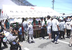 2017.6.4 古井町ふれあいひろば (1) JR古井支店みたらしだんごの販売