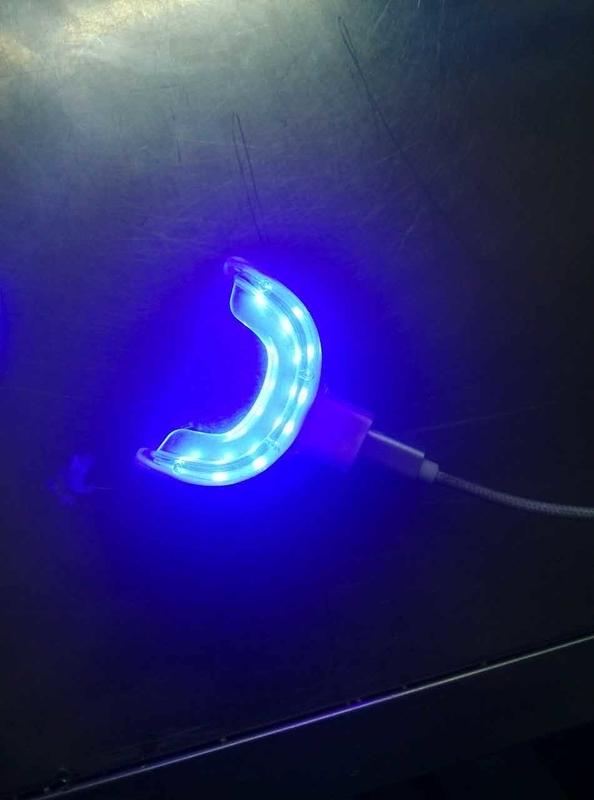ポータブルホワイトニングLEDライト (16灯式 4種類USBポート対応)
