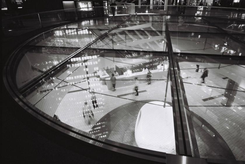 [Zeiss Ikon SW][COLOR-SKOPAR 21mm F4][Kodak BW400CN]