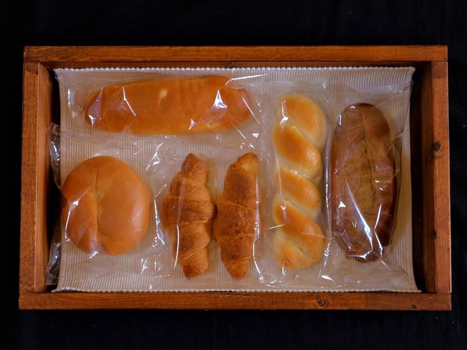 【松月堂製パン】1日限りのドライブスルー・パン屋で販売するパンの写真