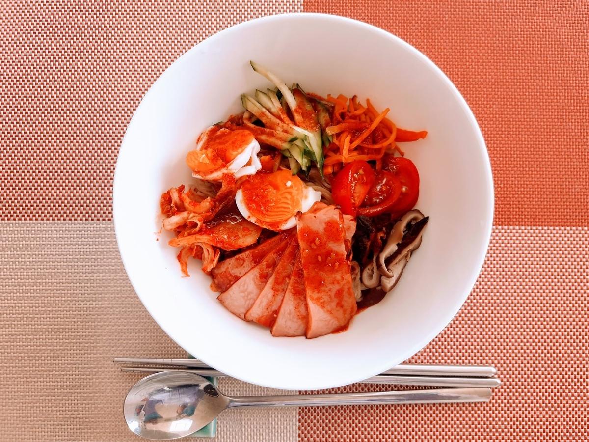 FuguMoonビビンパcafeのテイクアウトメニュー「ビビン麺」の写真