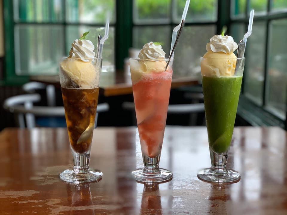 レストラン&カフェ ポテトのテイクアウトメニュー「カフェドソーダフロート」の写真