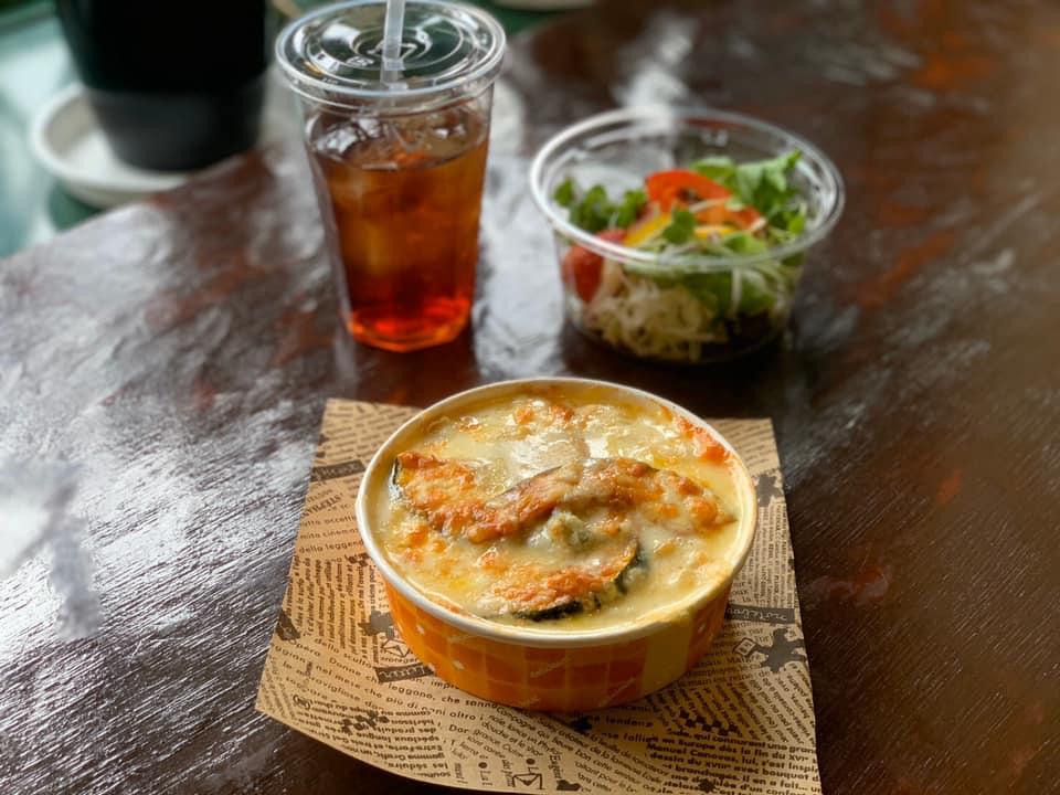 レストラン&カフェ ポテトのテイクアウトメニュー「グラタンorドリア(カボチャとゴルゴンゾーラ)」の写真
