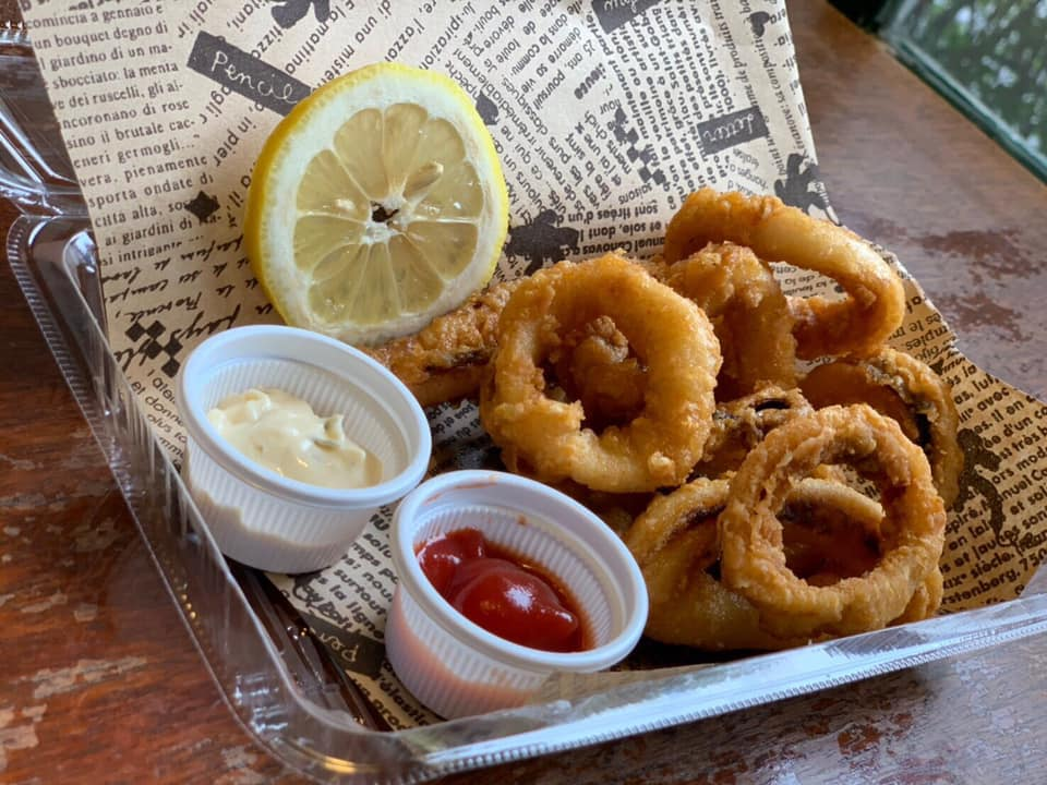 レストラン&カフェ ポテトのテイクアウトメニュー「イカの唐揚げ」の写真
