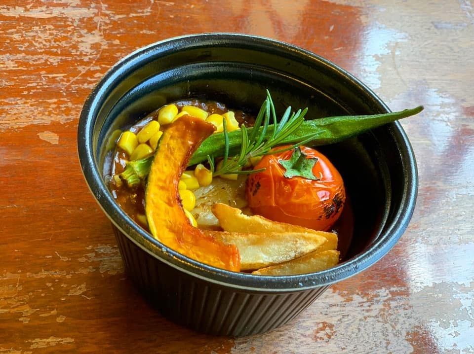レストラン&カフェ ポテトのテイクアウトメニュー「煮込みハンバーグ」の写真