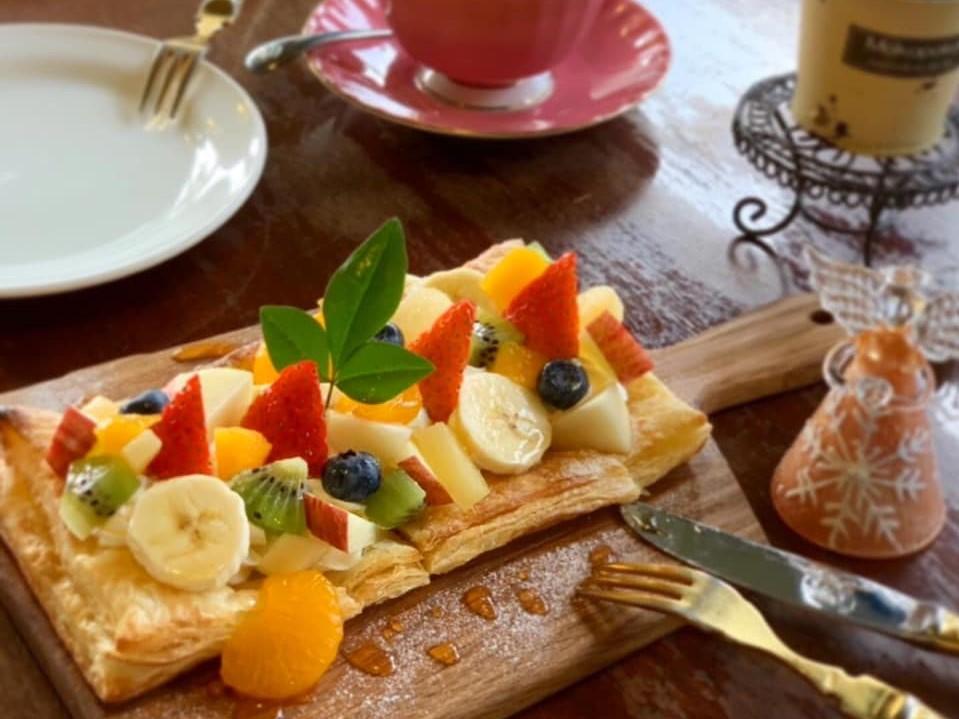 レストラン&カフェ ポテトのテイクアウトメニュー「フルーツのパイピザ」の写真