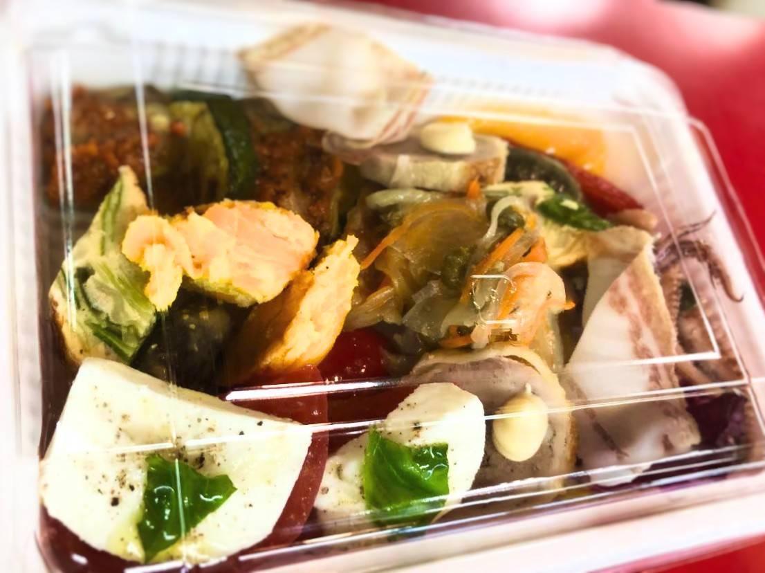 ペイザンのテイクアウトメニュー「前菜の盛り合わせ」の写真