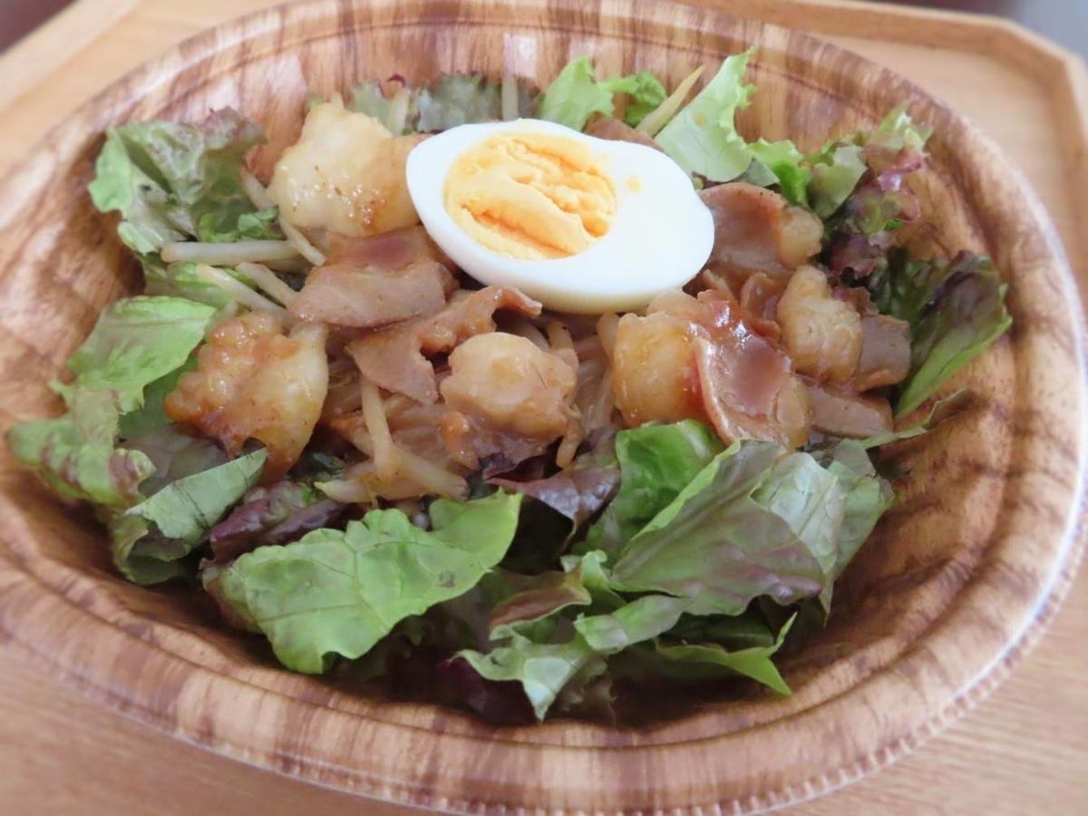 もつ鍋とお肉処 むら花のテイクアウトメニュー「ホルモン丼」の写真