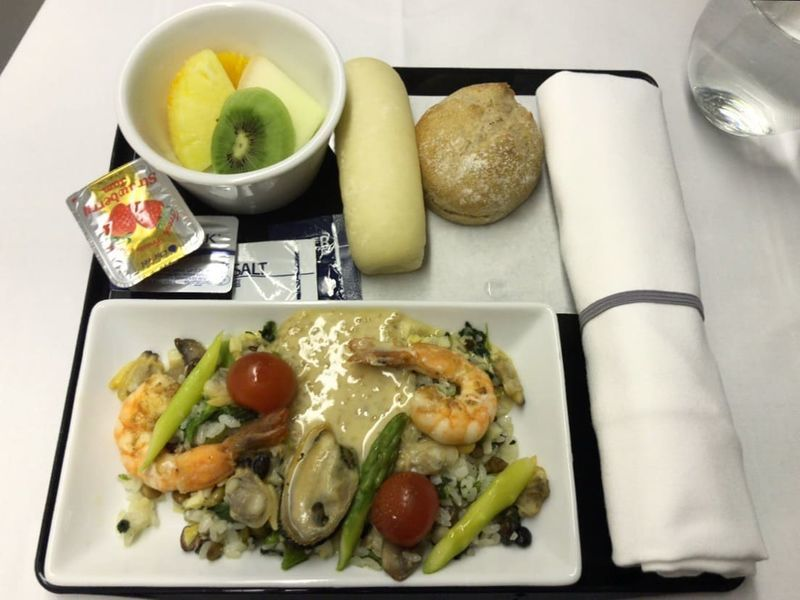 ANA全日空ビジネスクラスの2回目の機内食