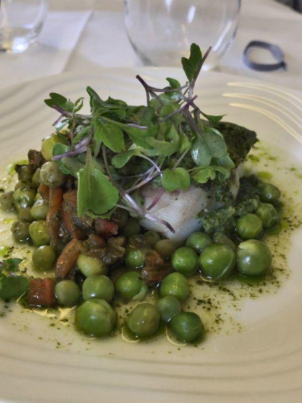 ANA全日空ビジネスクラスの機内食のメインは魚料理を選択。ヨーロッパ便(イギリス)