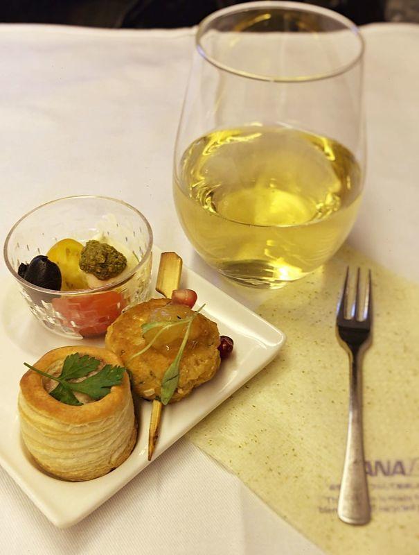 ANA全日空ビジネスクラスの機内食(ヨーロッパ便)。アミューズ
