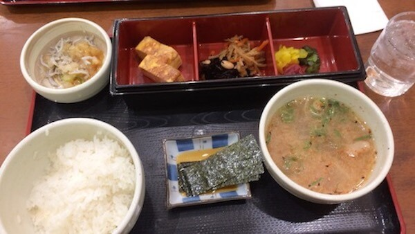 紀ノ川SAで朝食