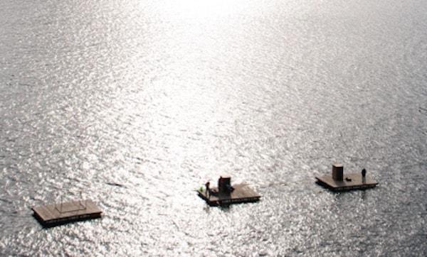 屋根付き筏
