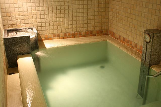 庭の湯 水風呂