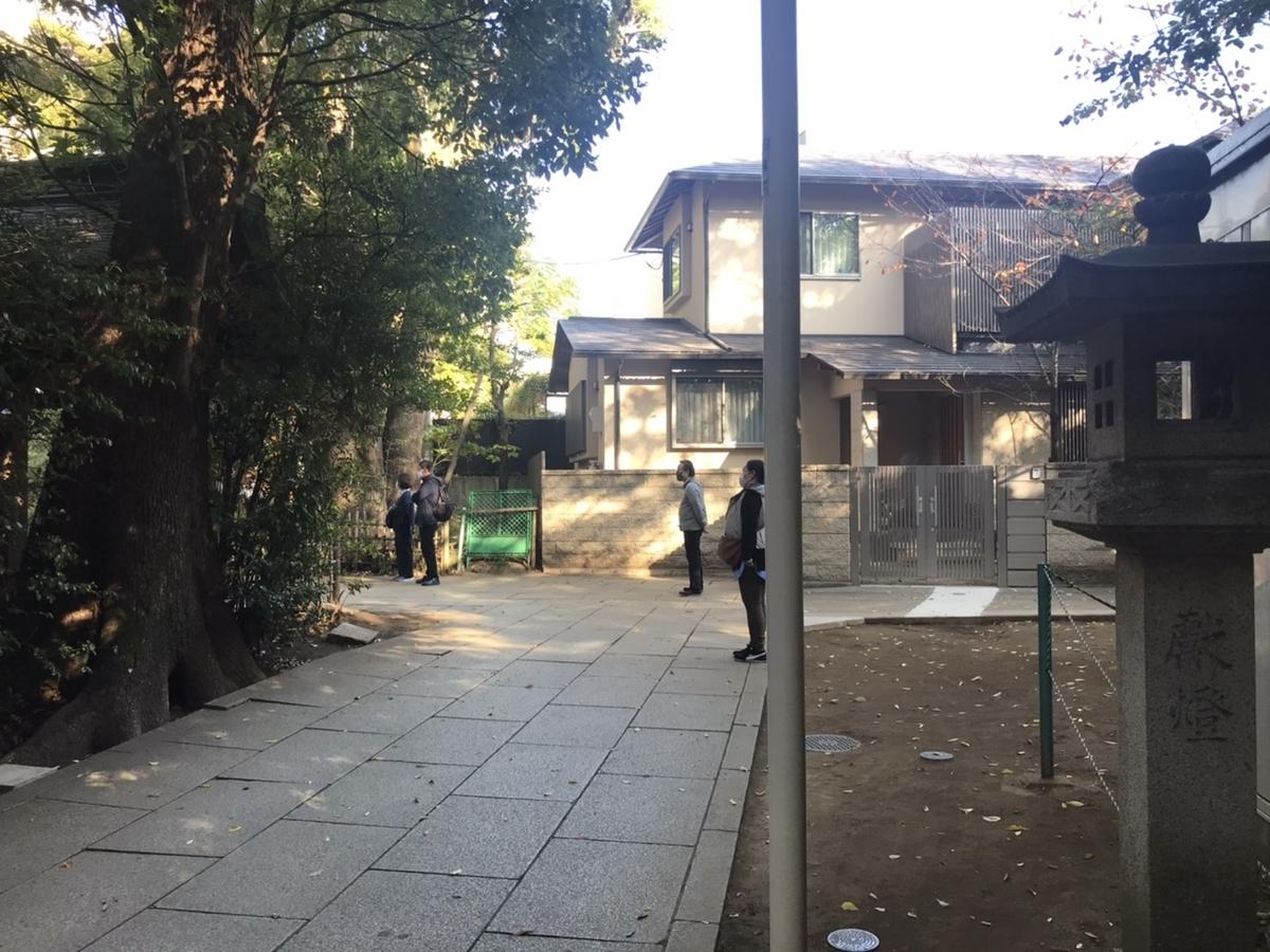 渋谷氷川神社の参道