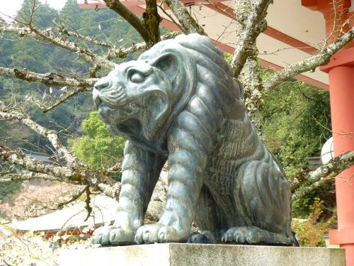 鞍馬寺の狛犬