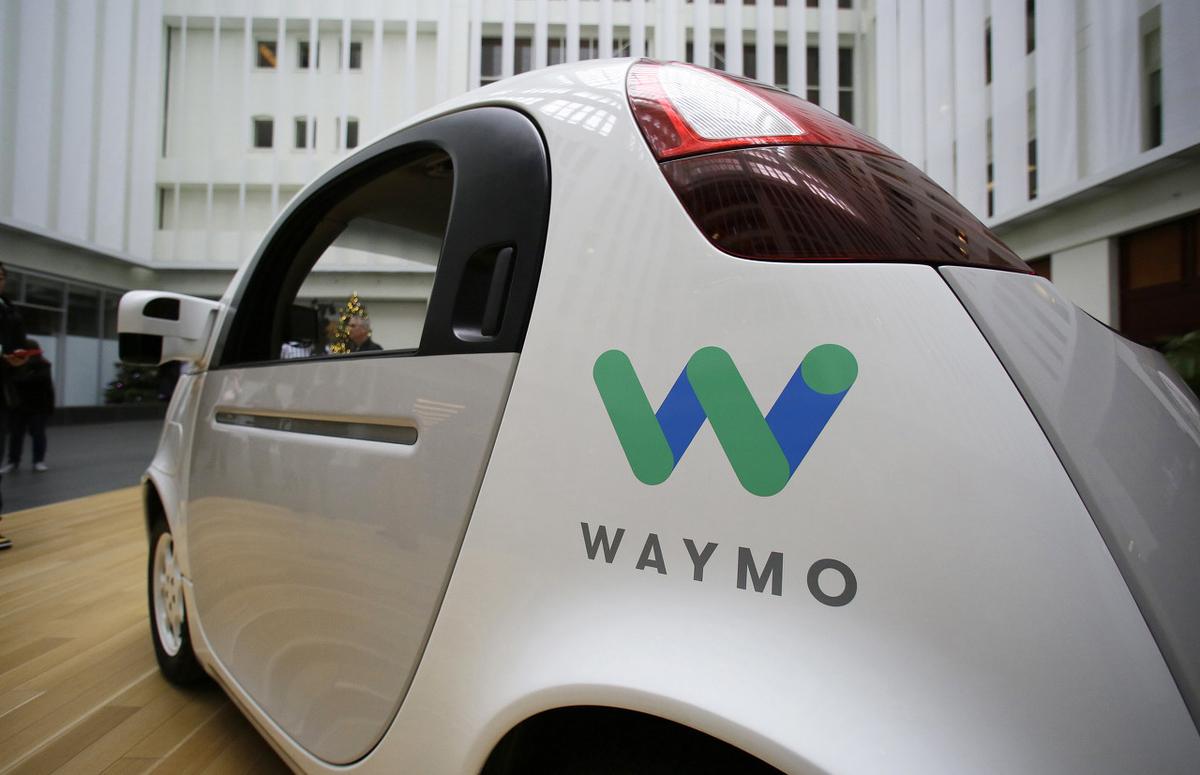 アルファベット傘下のウェイモが自動運転技術の加速のため資金調達を検討