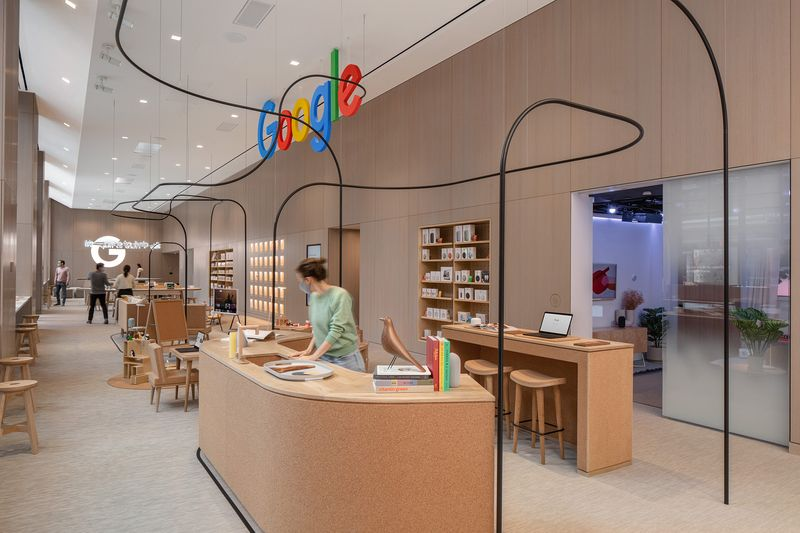 グーグルストアの店内Photographer: Paul Warchol/Google