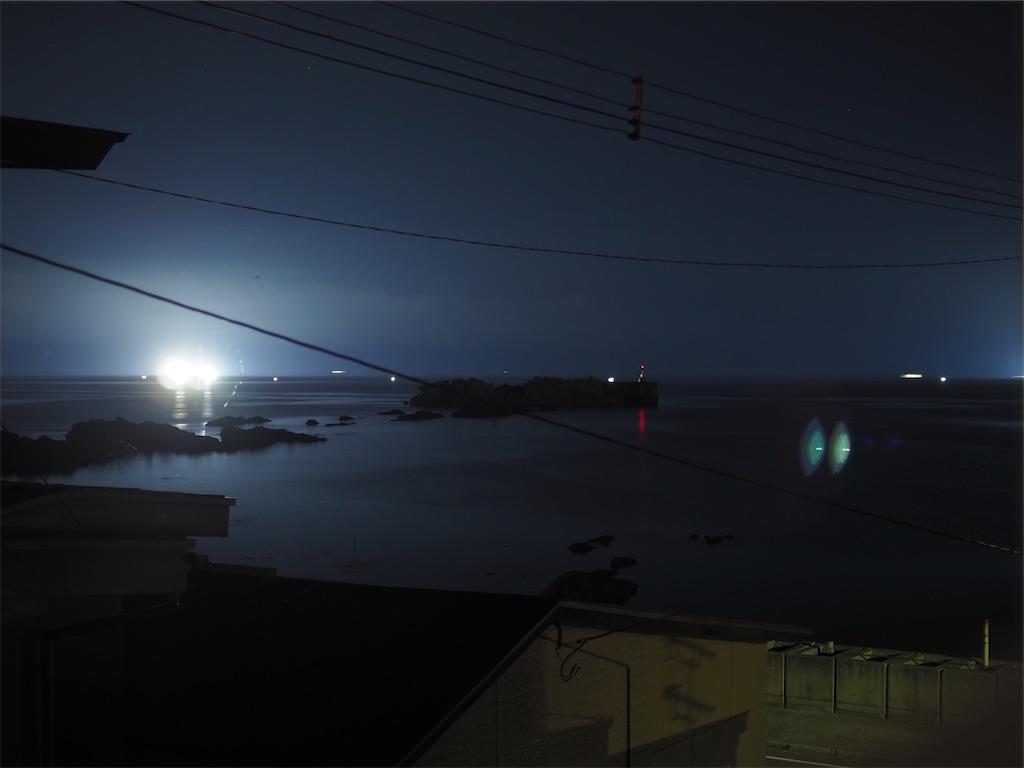 漁火が近い日は満月の夜と同じくらい明るい