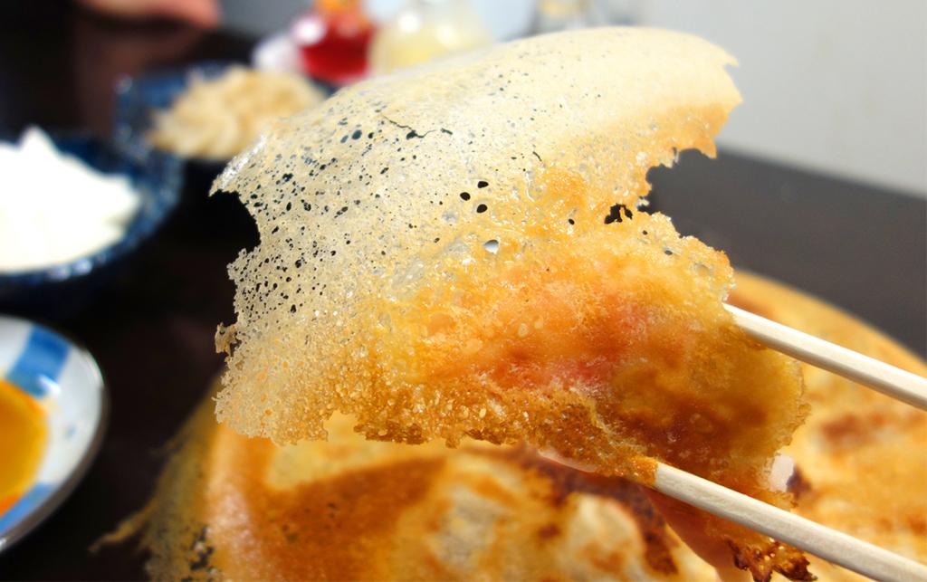 予約半年待ち?一度は食べたい「羽根木の羽根付き餃子」を家焼きするコツ