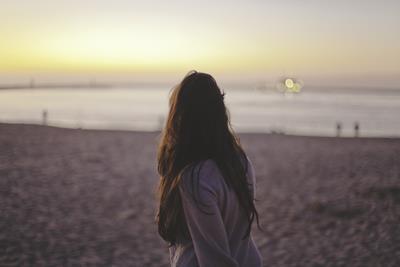 恋愛関係で自信が持てない方は過去のトラウマに縛られている可能性が大?