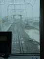 新安城方面から 高架線路を 桜井線に はいって いく