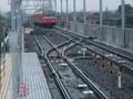 桜井駅を 出発し 北行する 電車