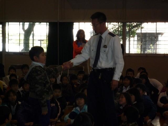 2010年11月29日 二本木小学校防犯教室 (8)