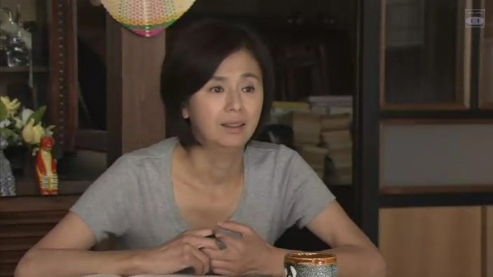 朝加真由美さん かお 02 700-393