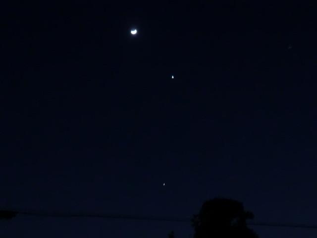 120327 つき-金星-木星 (2) 18:56