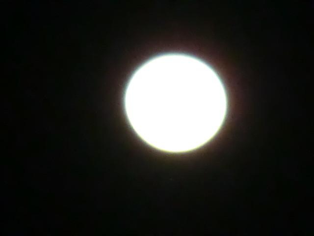 120407 ひがしの そらの 満月 19:34-2