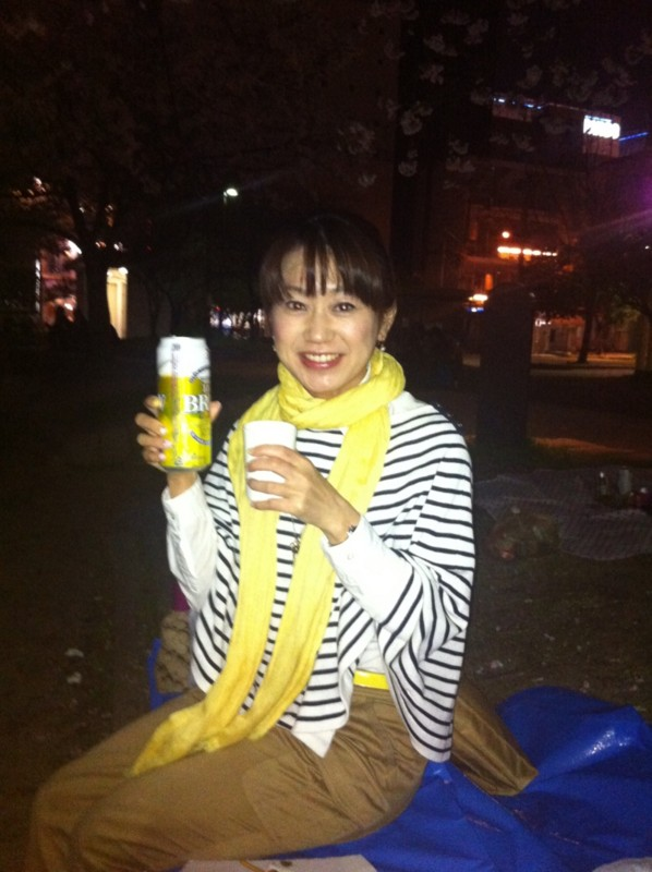 12-04-12 缶 ビール かたての 大隅智子さん