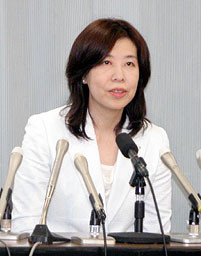 2013.7.10 吉本明子 愛知県 副知事 (岐阜新聞)