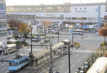 岡山電気軌道 岡山駅前駅 (山陽新聞)