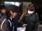 2014.12.10 安祥中学校自転車安全利用キャンペーン (9) シールくばり