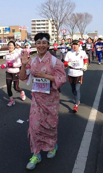 2015.2.15 吉田しのぶさん - 熊本城マラソン (1) 420-720