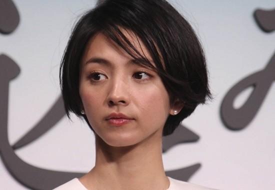 2019.11.2 満島ひかりさん (13) みつめる 550-380