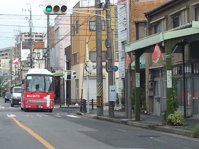 20150831_080424 朝日町どおり - 安祥線バス
