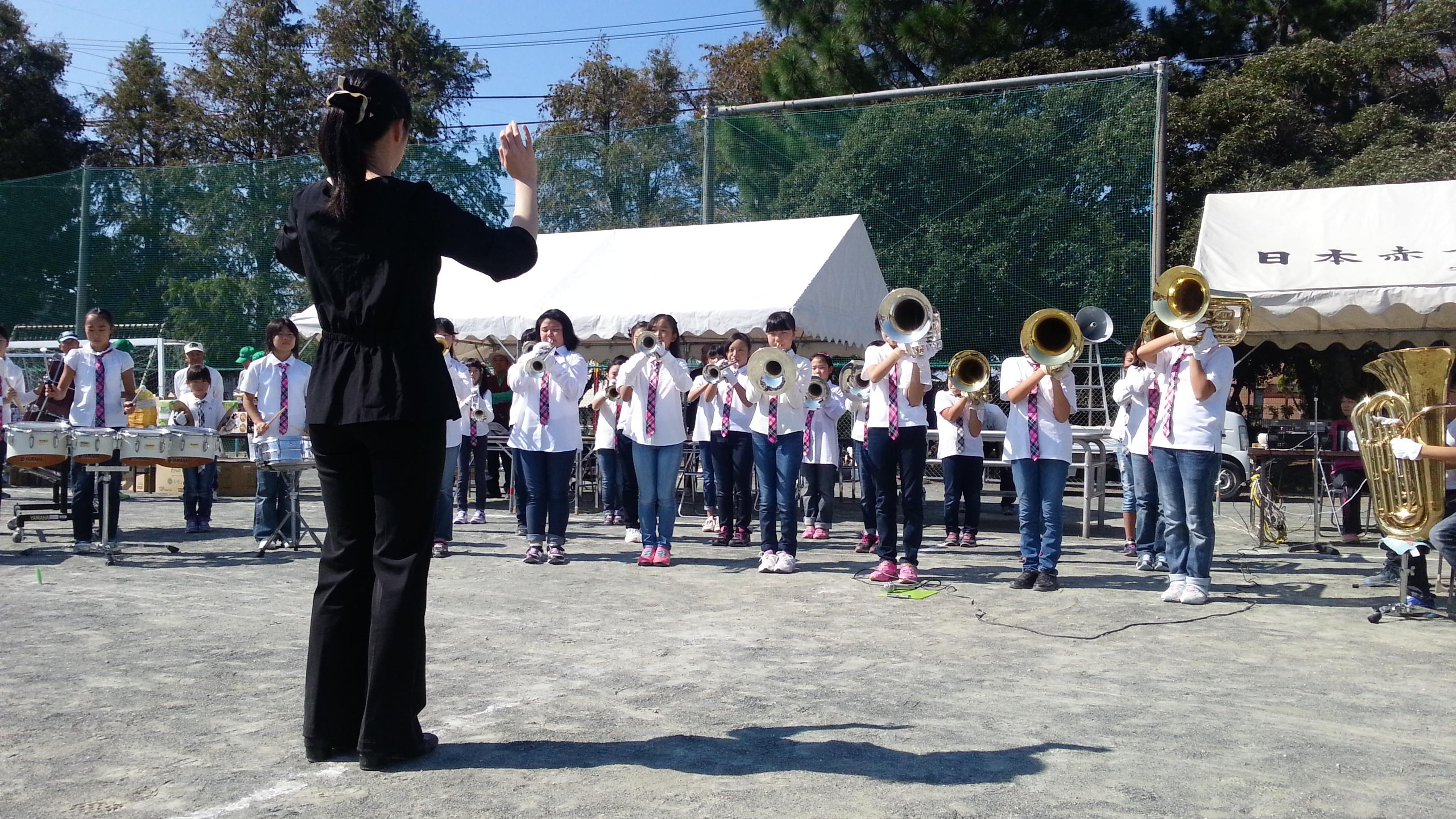 20151018_111117 古井町内会運動会 - 南部小学校金管バンド