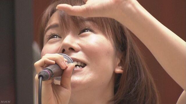 ショッピングモールのうたひめ半崎美子さん - NHK (1) うたっとるとこ