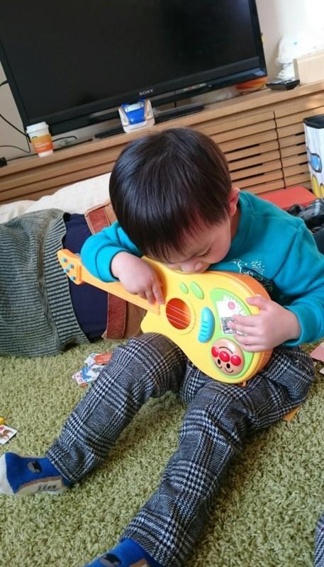 2018.1.21 聡太とアンパンマンギター♪ (2) 960-1680
