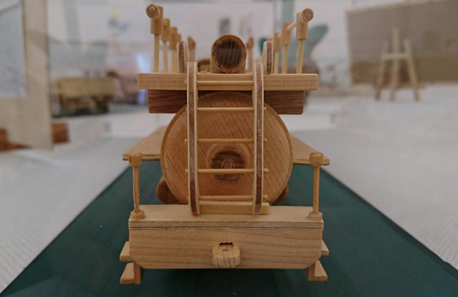 2018.3.24 木工細工蒸気機関車作品展 (8) ブリキのおもちゃ X-324 1600-1040