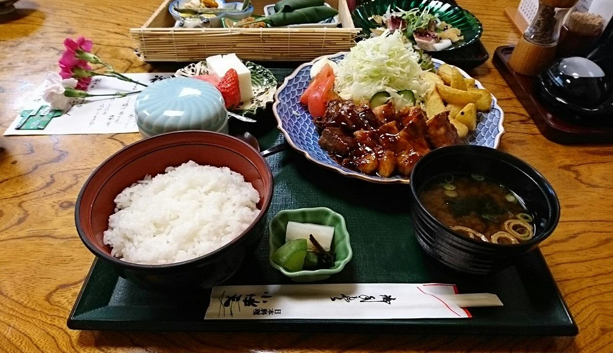 2018.5.20 小伴天 (2) とんてき定食と新緑の花膳 1250-720