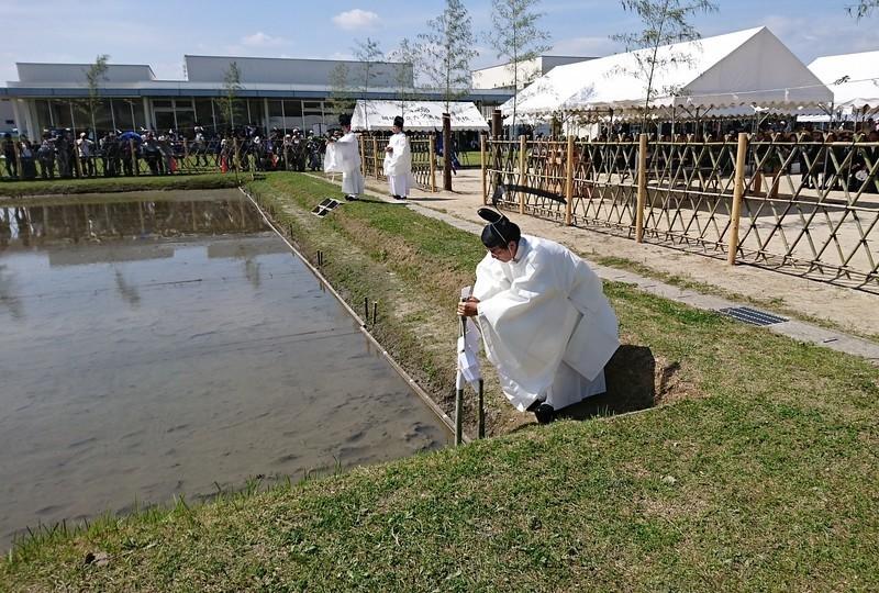 2018.6.3 中島おたうえまつり (39) 田の清祓い(たのきよはらい) 1600-1080