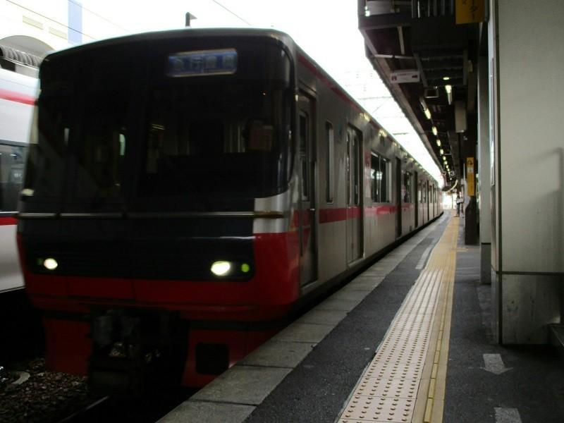 2018.6.10 (15) 東岡崎 - 豊橋いき急行 800-600