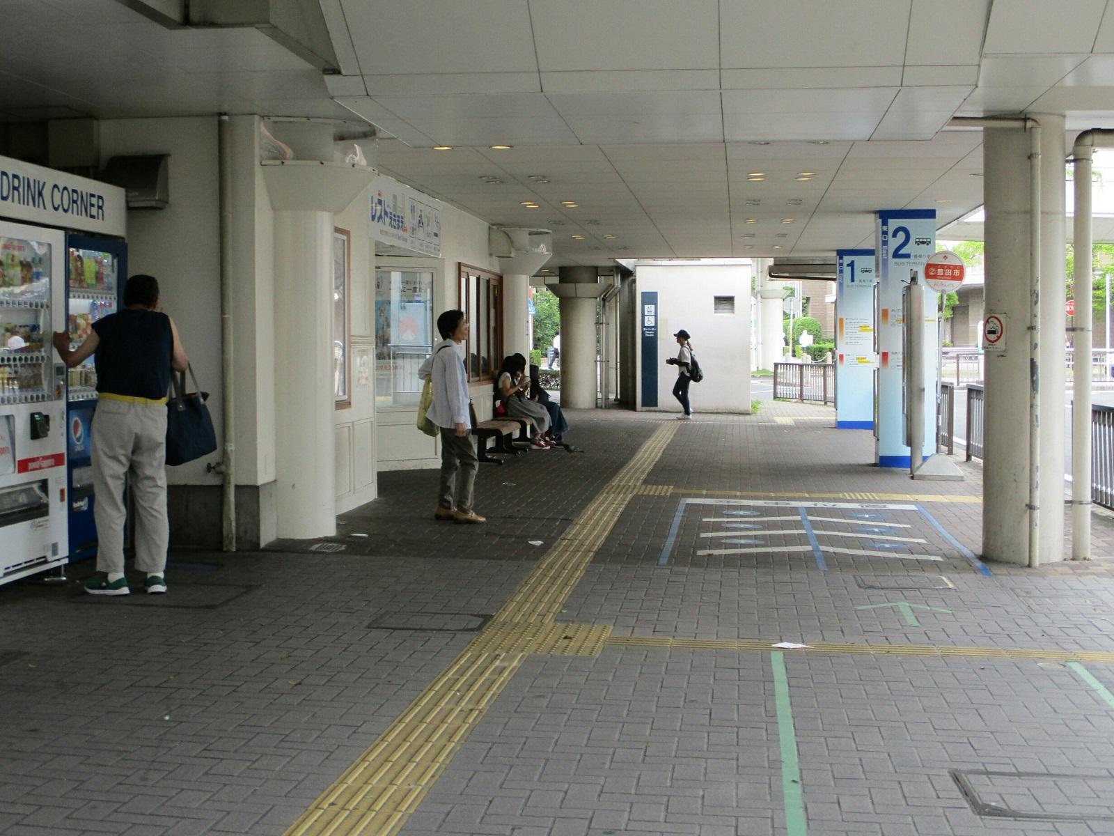 2018.6.14 豊田 (26) 豊田市駅ひがしぐちバスまちあいじょ 1600-1200