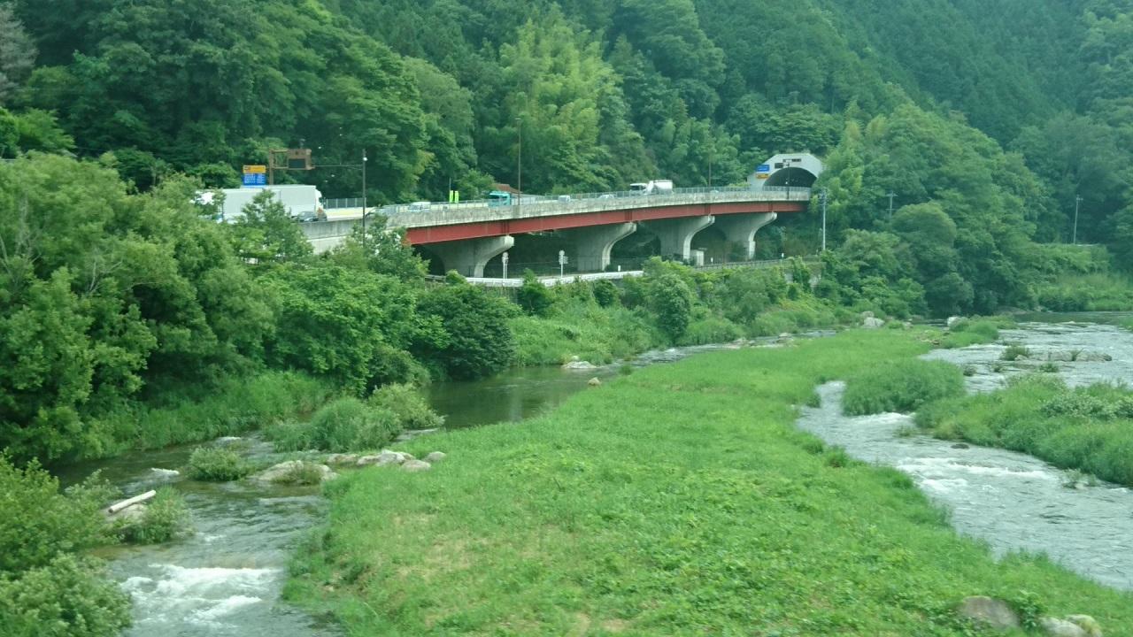 2018.6.22 (73) 足助いきバス - 足助大橋をわたる 1280-720