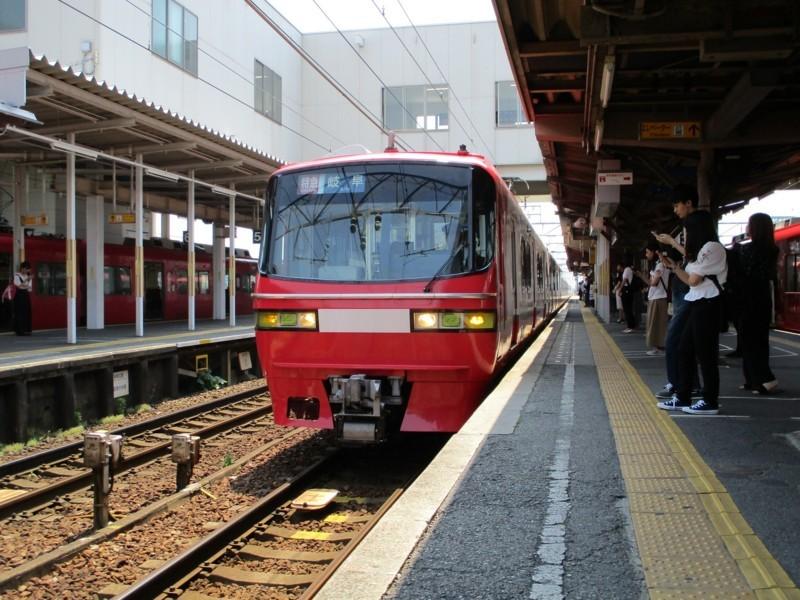 2018.6.25 一宮 (1) しんあんじょう - 岐阜いき特急 2000-1500