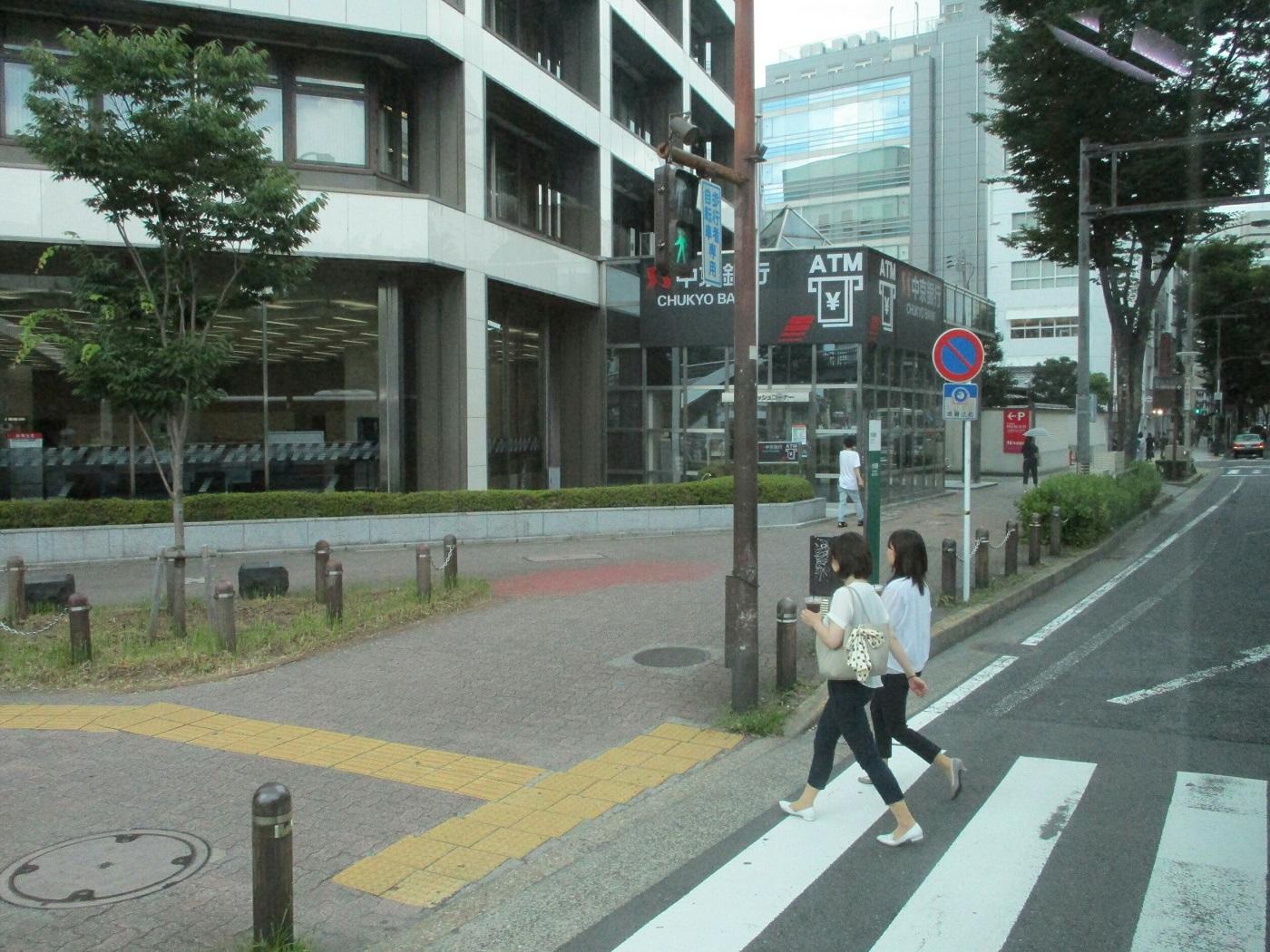 2018.6.27 (19) 愛知医科大学病院いきバス - 矢場町交差点を左折 1400-1050