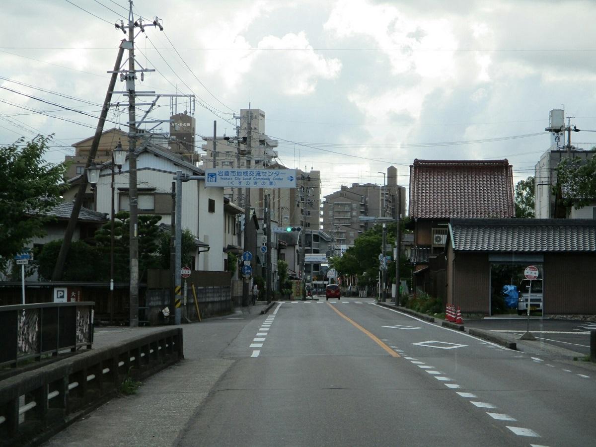2018.6.30 (53) 岩倉駅いきバス - 中市場バス停 1200-900